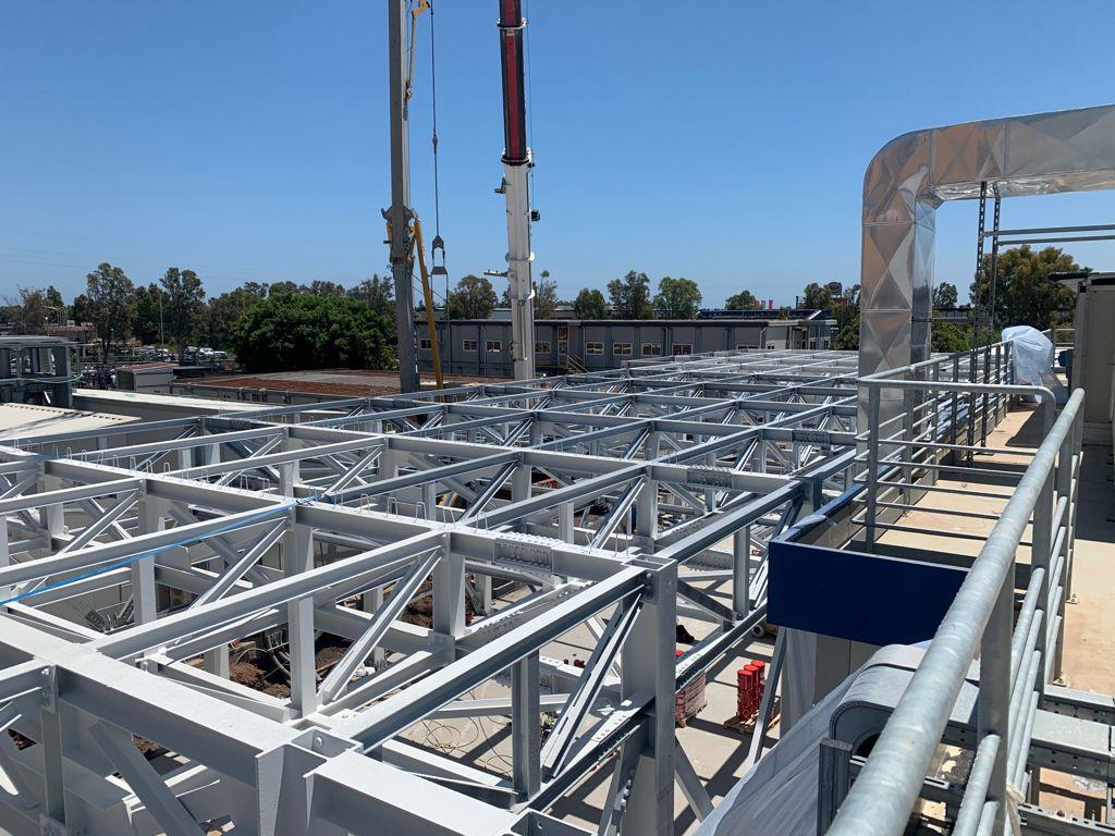 Un cantiere nuovo per l'innovazione STMicroelectronics: così Stancanelli partecipa al futuro